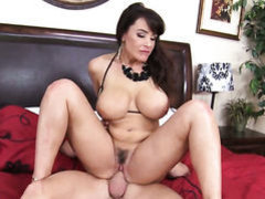 Incredibly sexy pornstar Lisa Ann gets her